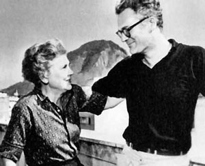 a comparison of the poetry of elizabeth bishop and robert lowell Reading the letters of robert lowell and elizabeth bishop between reticence and revelation: bishop's and we tell about twentieth-century poetry.