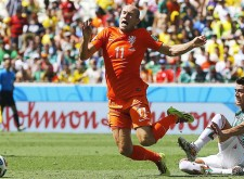 Robben-sorry-for-early-dive